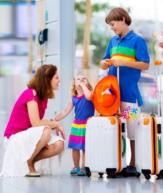 Autorización para viajar solo (a) con sus hijos menores fuera de Canadá