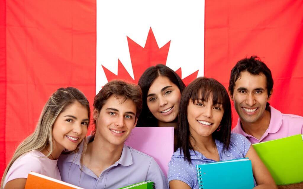 Canadá aún no define el futuro de los estudiantes internacionales