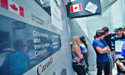 (Español) Oficiales canadienses comenten errores que terminan pagando los inmigrantes