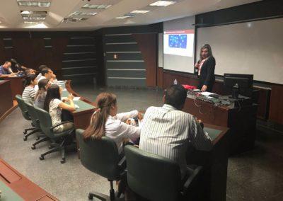 Seminarios y conferencias 9
