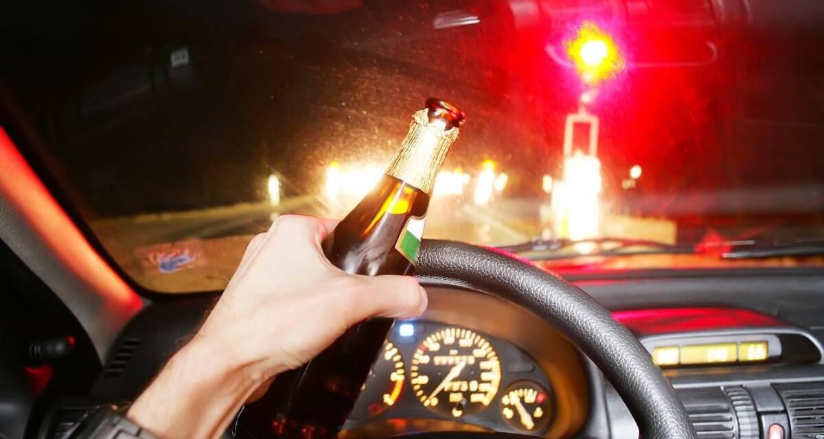Cuidado, por conducir borracho o drogado, perdería su residencia en Canadá